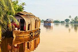 House Boat in morning, Alappuzha, Kerala.jpg