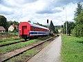 Hronov, lokomotiva s pracovním vozem (01).jpg