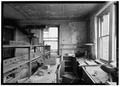 INTERIOR, VIEW OF PATHOLOGY LABORATORY - Welfare Island, Strecker Memorial Laboratory, New York, New York County, NY HABS NY,31-WELFI,5-5.tif