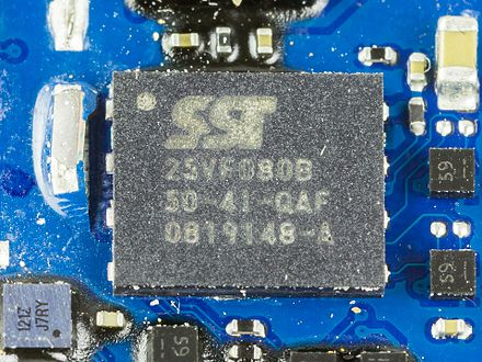 Serial Flash: Silicon Storage Tech SST25VF080B IPhone 3G teardown - Silicon Storage Tech SST25VF080B-3309.jpg