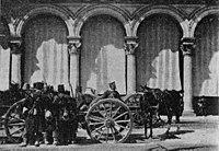 Illustrazione popolare 1898 - Artiglieria in Piazza Duomo.jpg