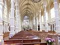 Intérieur de l'église (St Julien-de-Vouvantes).JPG
