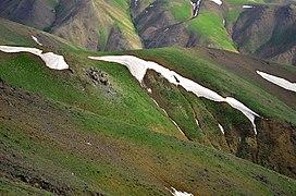 Iran - Hamedan - Monte Alvand (Tarik Darreh Ski Resort Road) - panoramio.jpg