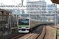 JRE E231-500 series 542 set Yamanote Line train leaving Akihabara 2017-07-09.jpg