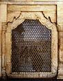 Jaali, opposite Musamman Burj.jpg