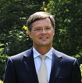 Jan Peter Balkenende, 2011 (cropped).jpg