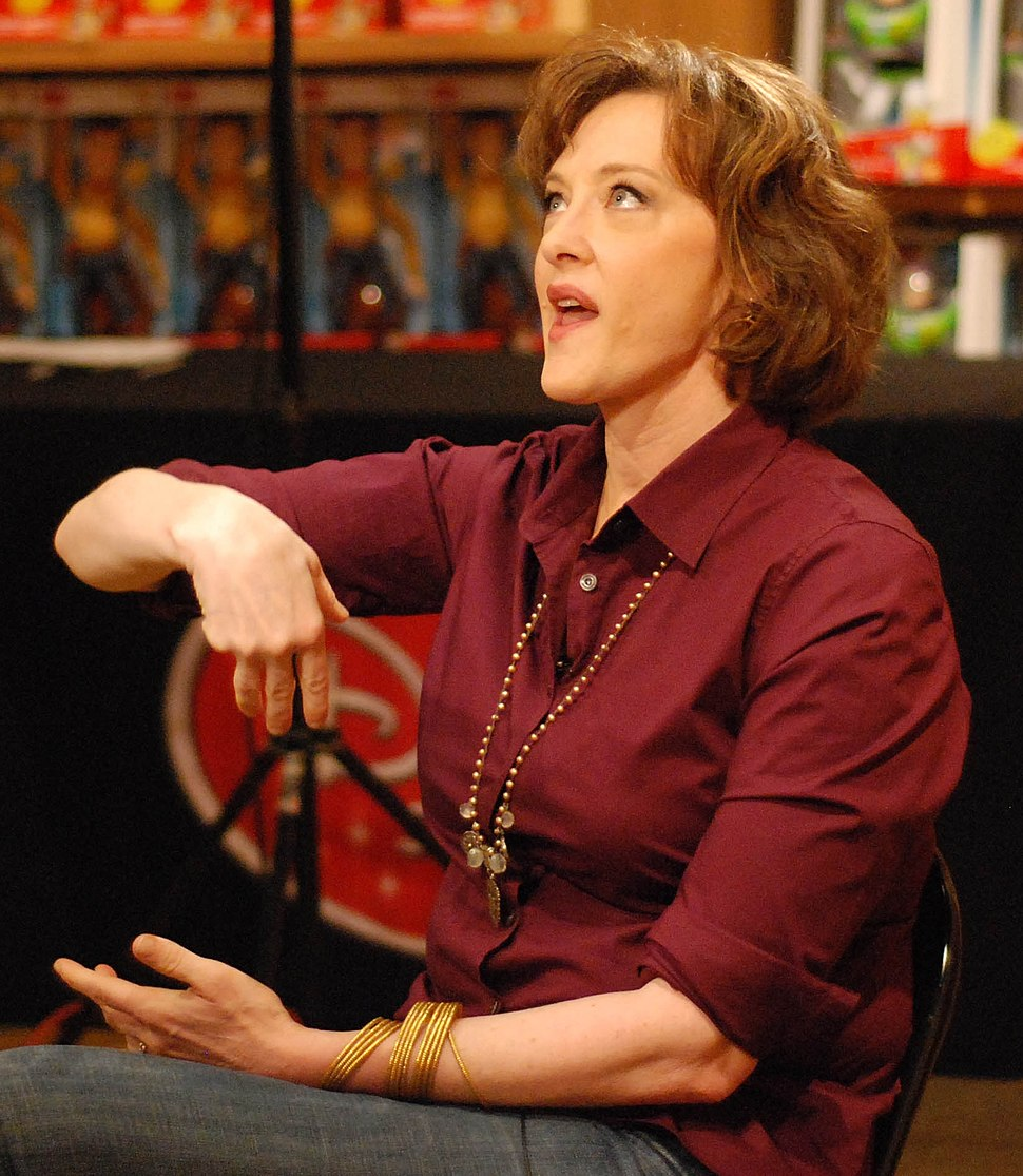 Joan Cusack June 2010 cropped