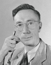 Joe Pawsey portrait photo ca 1950 (head and shoulders).jpg