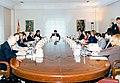 José María Aznar preside su primer Consejo de Ministros.jpg