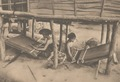KITLV - 101103 - Kleingrothe, C.J. - Medan - Female weavers of sarongs (sarung), presumably at Lake Toba in Sumatra - circa 1905.tif