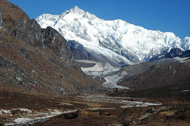 Datei:Kangchenjunga from Thangshing.jpg