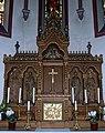 Kath. Kirche St. Peter und Paul in Gemünden im Hunsrück - Altar - panoramio.jpg