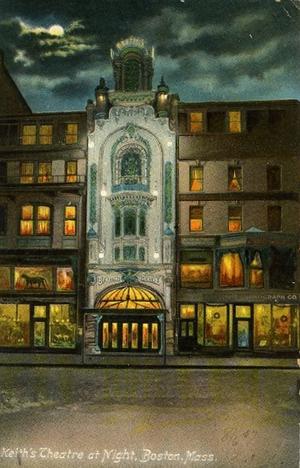 Keith's Theatre (Boston) - Image: Keiths Theatre night Boston MA ca 1900s postcard