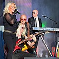 Kim Wilde and Her Band Rocking Out! (14521492696).jpg