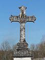 La Tour-Blanche cimetière croix centrale.JPG