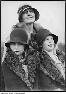 Lady Eaton and two daughters at Hunt Club meet.jpg