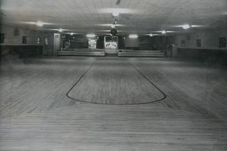 Roller rink - Leo's Roller Rink, a typical American roller rink of the 1950s and 1960s located in Kirksville, Missouri