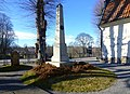 Lidingö kyrka, Zetterbergs familjegrav, mars 2020.jpg
