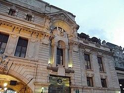 London Victoria Station (8103898919).jpg