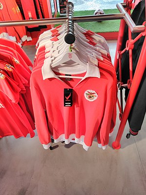 1977–78 S.L. Benfica season - A replica of a shirt used in this time period