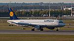 Lufthansa Airbus A320-211 D-AIPA MUC 2015 01.jpg