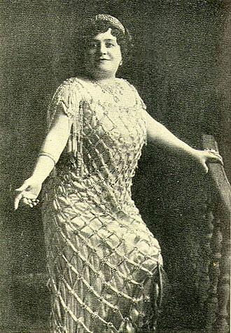 Luisa Tetrazzini - Photo from 1909 book Heart Songs