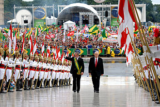 Luiz Inácio Lula da Silva - Lula climbs the ramp leading to the Palácio do Planalto, with Vice President José Alencar, for the official ceremony marking the beginning of their second term, in 2007.