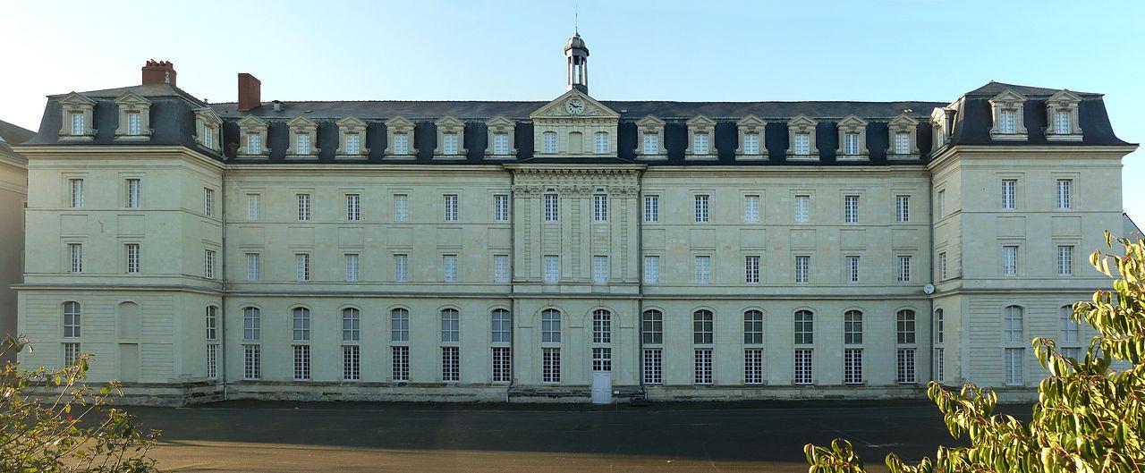 Bon Mercredi 1280px-Lyc%C3%A9e_Joachim_du_Bellay%2C_back_side_-_Angers_-_20110109
