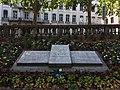 Lyon 1er - Quai André Lassagne, monument à Jean Moulin et André Lassagne.jpg