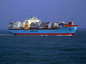 Maersk Mytilini p0 approaching Port of Rotterdam, Holland 01-Apr-2007.jpg