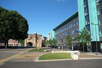 De Montfort University - Magazine Square, with the Hugh Aston Building and the medieval Magazine Gateway