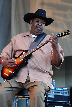 Magic Slim performs at the 25th Annual Chicago...