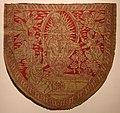 Manifattura fiorentina, scudo dorsale da piviale con madonna della cintola, in lampasso di seta e oro, 1500-25 ca. (prato, museo del tessuto).jpg