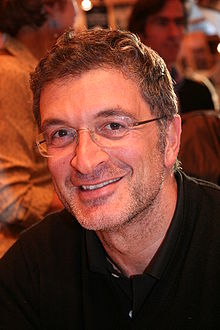 http://upload.wikimedia.org/wikipedia/commons/thumb/8/88/Marc_Fiorentino_20090315_Salon_du_livre_1.jpg/220px-Marc_Fiorentino_20090315_Salon_du_livre_1.jpg