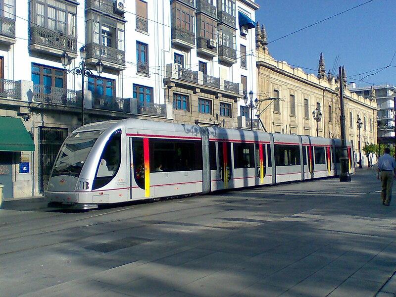 Tranvía URBOS en Sevilla