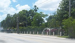 Miami FL city cemetery01.jpg