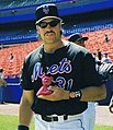 Mike Piazza (1999) (cropped).jpg
