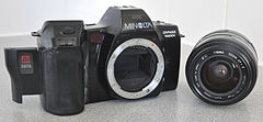 Minolta Dynax 7000i Analogue Film Camera, With Sigma 28-70mm Lens (8744235768).jpg