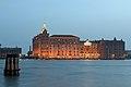Molino Stucky sulla Giudecca serale a Venezia.jpg
