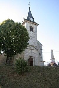 Monument-aux-morts-et-église.jpg