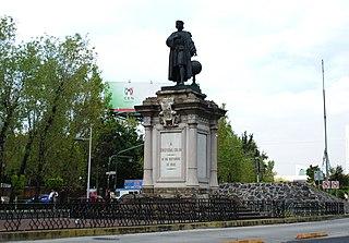Located in Buenavista, Delegación Cuauhtémoc, Mexico City. Sculpture by Manuel Vilar and base from Juan Agea.