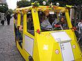 Motorisierte Jazzgruppe in der Düsseldorfer Altstadt.jpg