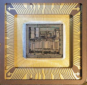 Motorola 68030 - Motorola MC68030RC33B Die Image