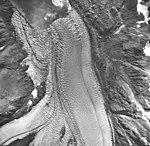 Muir Glacier, tidewater glacier terminus with faint lateral moraines, September 17, 1966 (GLACIERS 5700).jpg