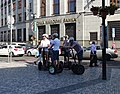 Na příkopě 28, Česká národní banka, turisté na segwayích.jpg