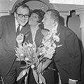Nationaal Songfestival 1966. Winnares Milly Scott met tekstschrijver Gerrit den , Bestanddeelnr 918-7511.jpg