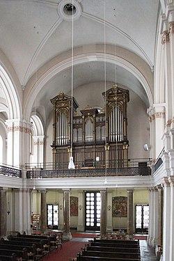 Nepomukkirche Orgel.JPG