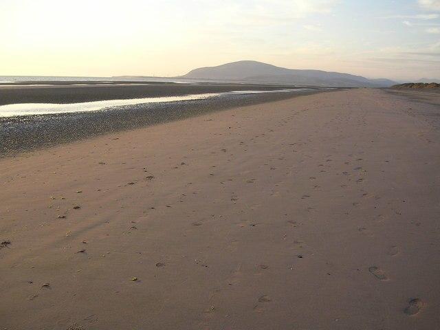 North Walney Beach - geograph.org.uk - 209770