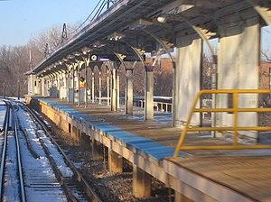 Noyes station - Image: Noyes CTA 061202