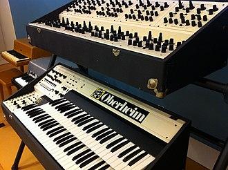 Oberheim polyphonic - Image: Oberheim Dual Manual 8voice, MIM PHX